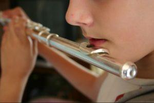 Instrumentos Divinos e a Magia da Música