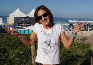 Tetracampeã Brasileira, Andrea Lopes Tem Escolinha de Surfe e Quer Trazer mais Meninas para o Esporte
