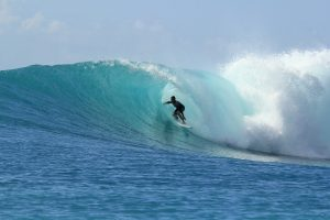 Big Waves, Experienced Surfers, Challenges and Partnerships