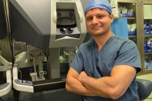 Destaque em Los Angeles: o Médico Brasileiro e a Cirurgia Robótica contra o Câncer