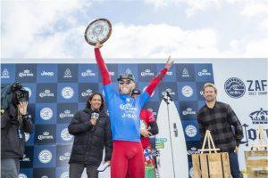 Surf: Brasileiro Filipe Toledo é campeão em Jeffreys Bay, África do Sul