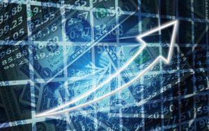 Na Última Cotação de Agosto, Dólar Sofre Queda, Mas Tem Maior Alta Mensal em Quase 3 Anos
