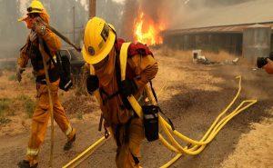 Maiores Incêndios Florestais da Califórnia Estão Quase Controlados