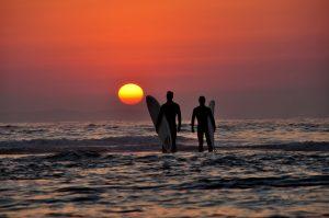 O Surfista Lida com o Pessoal e o Comercial