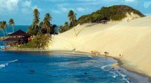 Praia da Pipa: Vida Noturna Agitada sem Perder os Encantos Naturais